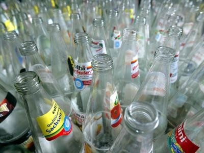 Einweg Gegen Mehrweg ärger Um Die Wegwerf Flaschen Wissen News