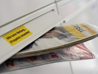 Klage angestrebt: Eingeschweißte Post-Werbesendung: Unerwünschter Plastikmüll?