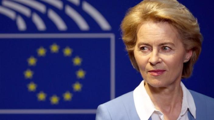 Feuertaufe für von der Leyens Team — EU-Parlament