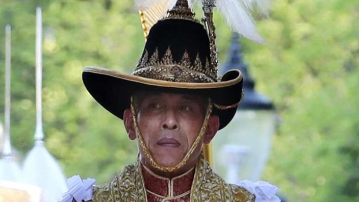 Titel entzogen: Thailändischer König lässt Geliebte fallen