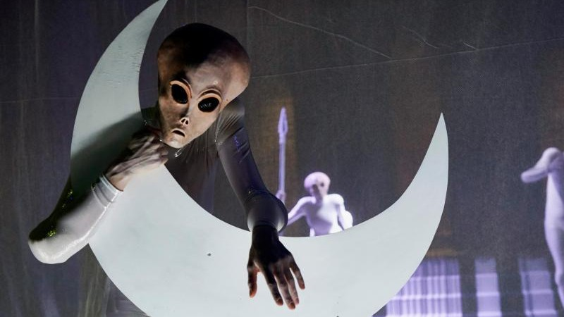 Aliens in Berliner Volksbühne