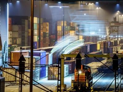 Bahn: Verlagerungspolitik auf die Schiene unzureichend