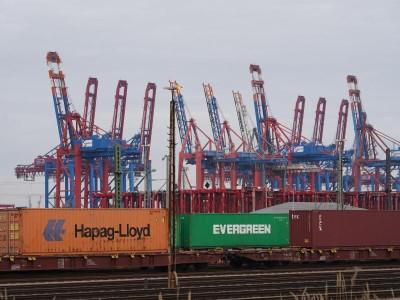 Schifffahrt: Hafenwirtschaft sieht Hamburger Hafen zunehmend unter Druck