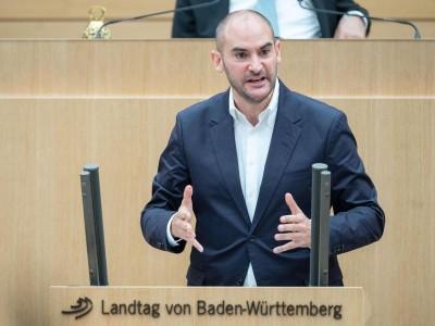 """Steuern - Stuttgart: Bayaz: Stabiler Haushalt ohne die """"ganz großen Sprünge"""""""