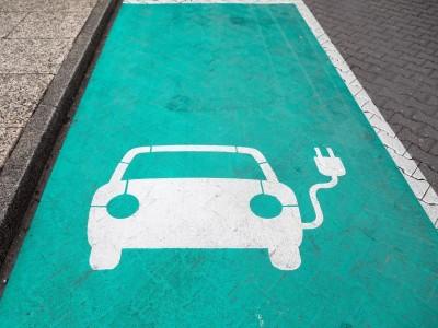 Energie - Hannover: Lies präsentiert Zehn-Punkte-Plan für mehr E-Ladepunkte