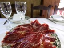 Europa Spanien, Im Land der glücklichen Schweine: Schinkentour in der Extremadura, dpa-tmn