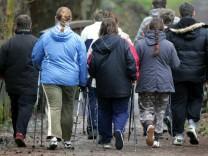 Krankhaftes Übergewicht: Wann Patienten eine Operation helfen kann