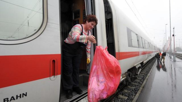 Bahn - Reinigung von Zügen