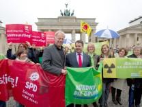 """Kampf gegen den ´Atom-Deal"""" eint Rot-Rot-Grün"""