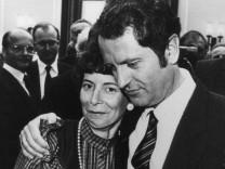 Uwe Barschel mit seiner Frau Freya nach der Wahl, 1982