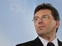 CSU-Fraktionsvorsitzender Schmid rechnet mit 'Moratorium' bei Wehrpflicht