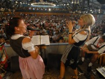 Sängerinnen auf dem Münchner Oktoberfest, 2009