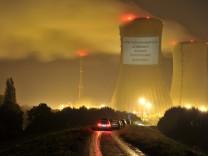 Leuchtender Protest gegen Atomkraft