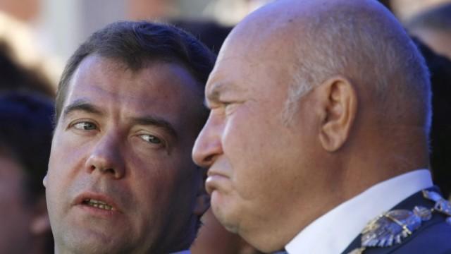 Medwedew entlässt Moskaus Bürgermeister Juri Luschkow