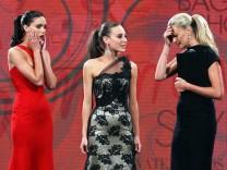Sarah Murdoch, Amanda Ware, Kelsey Martinovich