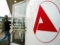 'Welt': Arbeitsagentur will Transfergesellschaften einrichten