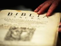 Bibelmuseum erhaelt 650 Bibeln aus der fruehen Neuzeit