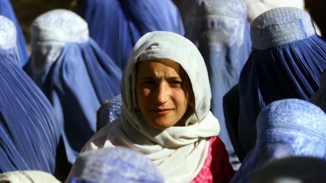 Afghanische Frau ohnen Burka