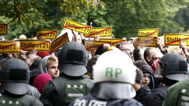 Kinderdienst: Baeume im Stuttgarter Schlossgarten gefaellt