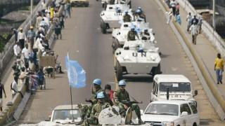 UN-Fahrzeuge in Liberia, 2003