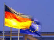 Abfuhr für den deutschen Vorschlag: Von der Finanztransaktionssteuer hält die EU-Kommission nichts.