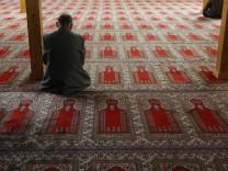 Muslim beim Gebet in Dortmunder Moschee