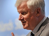 1. Internationales Strategiesymposium um Thema ' Deutschlands Stellung in der Welt'