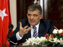 Turkey's President Gul speaks to reporters during a joint news conference with Iraq's President Talabani in Baghdad