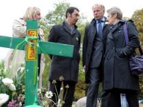 Stuttgart 21 - Grünen Politiker besichtigen Schlosspark