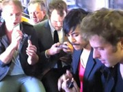 U-Bahn-Band spielt iPhone Hit
