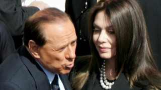 Unterhaltsforderungen an Berlusconi