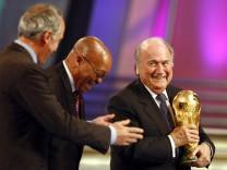 WM 2010 - Gruppenauslosung - WM-Pokal