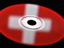 Ein Datendieb der Credit Suisse machte ein 1,5 Millionen Geschäft mit deutschen Behörden.  Die Schweizer Ermittler können die Identität des Informanten nicht zurückverfolgen.