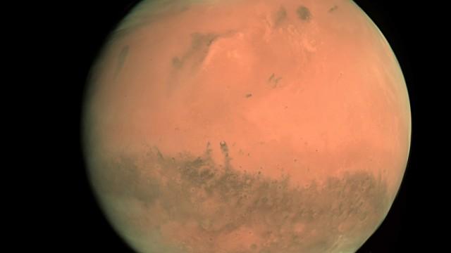 Beginn einer 105 Tage langen Simulation eines Mars-Flugs