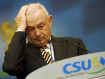 Ex-Ministerpräsident Günther Beckstein CSU Aula
