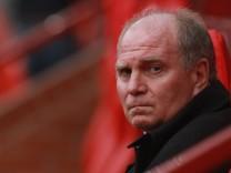 Staatsanwaltschaft ermittelt gegen Uli Hoeneß, Präsident des FC Bayern München wegen Verdacht der Steuerhinterziehung