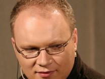 Russischer Journalist Oleg Kaschin nach Angriff im Koma
