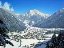"""Iglu-Nacht und ´Harakiri""""-Piste: Wintersport in Mayrhofen"""