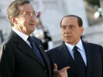 Fini fordert Berlusconis Rücktritt