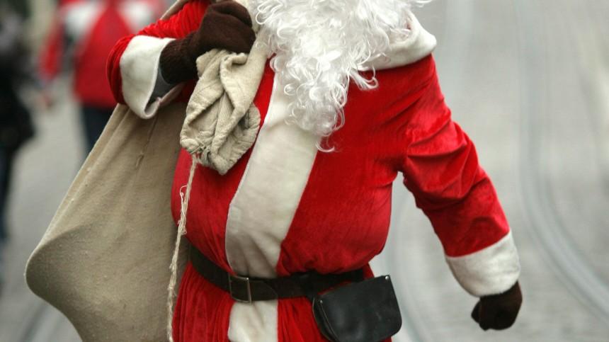 Studenten mit weißen Bärten: Jobben als Weihnachtsmann