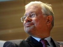 Roland Koch wird Vorstandsvorsitzender von Bilfinger Berger