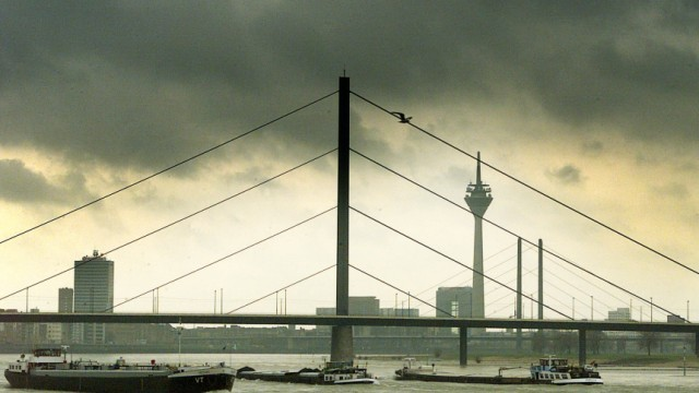 Oberkasseler Brücke in Düsseldorf