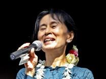 Friedensnobelpreisträgerin Suu Kyi frei