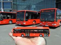 Neue Farbe für Busse der DB