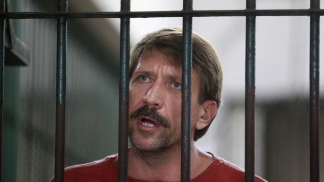 Suspected Russian arms dealer Viktor Bout speaks to the media after arriving at a Bangkok criminal court