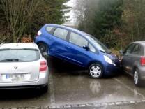 Verkehrsunfall mit 'fliegendem' Auto