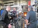 Regisseur Walter Steffen (rechts) bei den Dreharbeiten für seinen neuen Film über Handwerker am Star