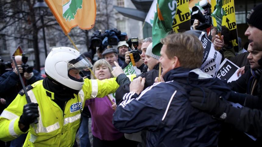 Krise in Irland - Proteste und Gewalt