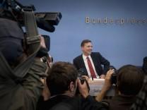 Steffen Seibert stellt sich als neuer Regierungssprecher vor