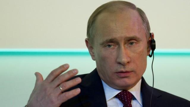 Der russische Premier Wladimir Putin sieht sich seit längerem in der Lage Zensuren zu verteilen.